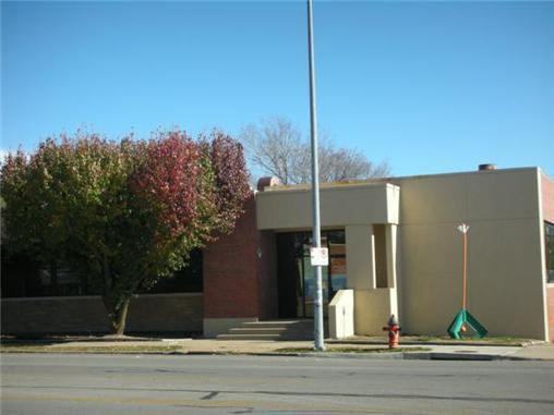 3917 BROADWAY Street, Kansas City, MO 64111