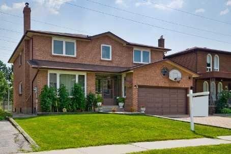 19 Charlton Blvd, Toronto, ON M2M 1C1