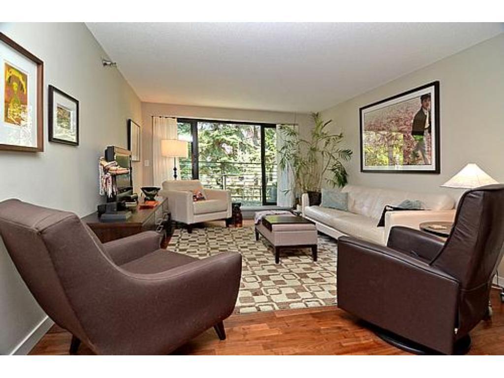 52 Groveland Terrace A312, Minneapolis, MN 55403