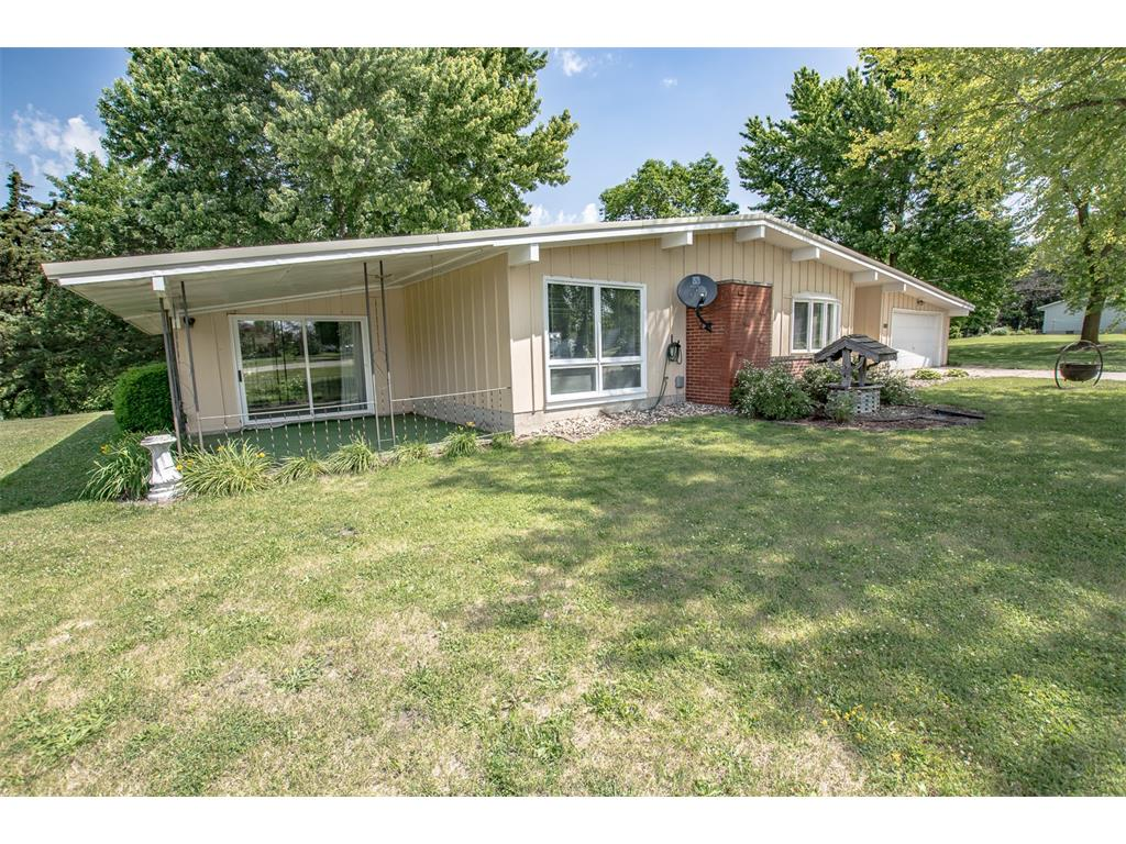 3585 Midway Road, Toddville, IA 52341