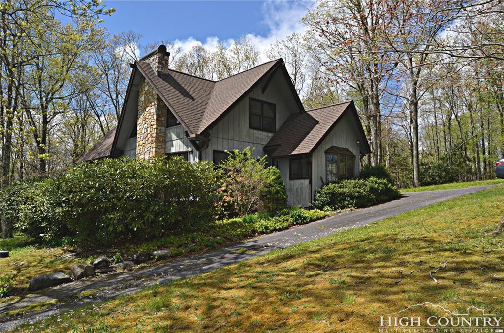 66 Linwood Lane, Newland, NC 28657
