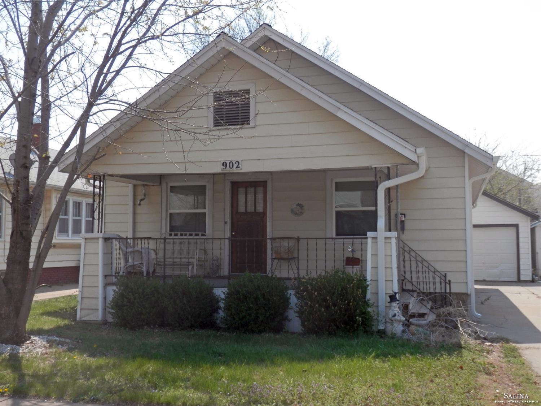 902 E Ash Street, Salina, KS 67401