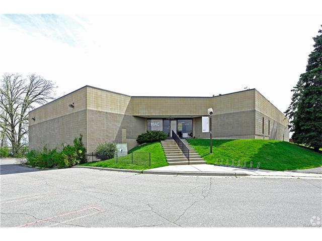 2 AJAX DRV, Madison Heights, MI 48071