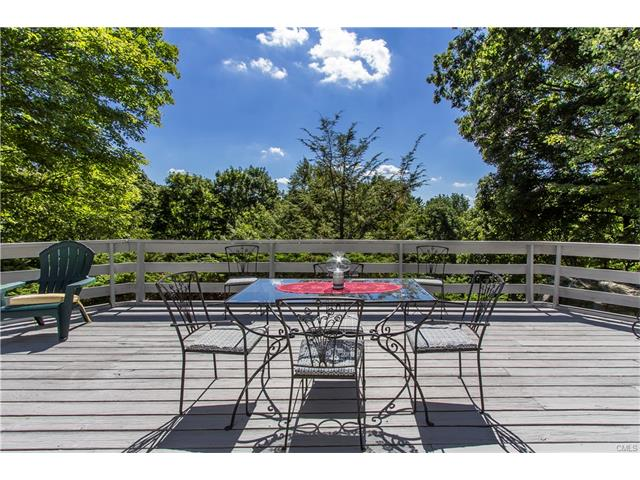 34 Twixt Hills Road, Ridgefield, CT 06877