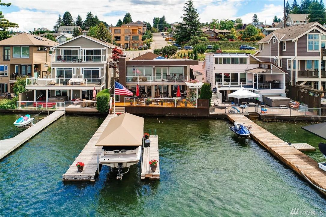 3625 Lake Washington Blvd N, Renton, WA 98056