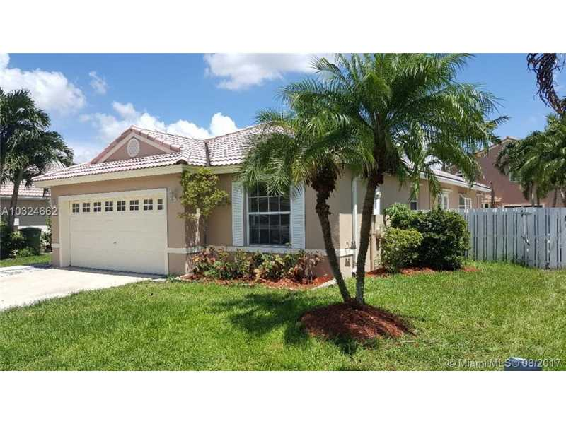 1051 NW 191st Ave, Pembroke Pines, FL 33029