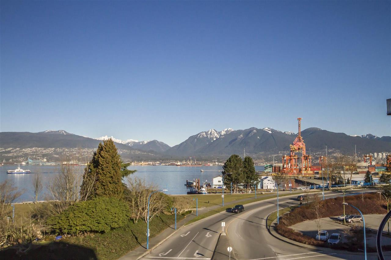 135 ALEXANDER STREET, Vancouver, BC V6A 1B8