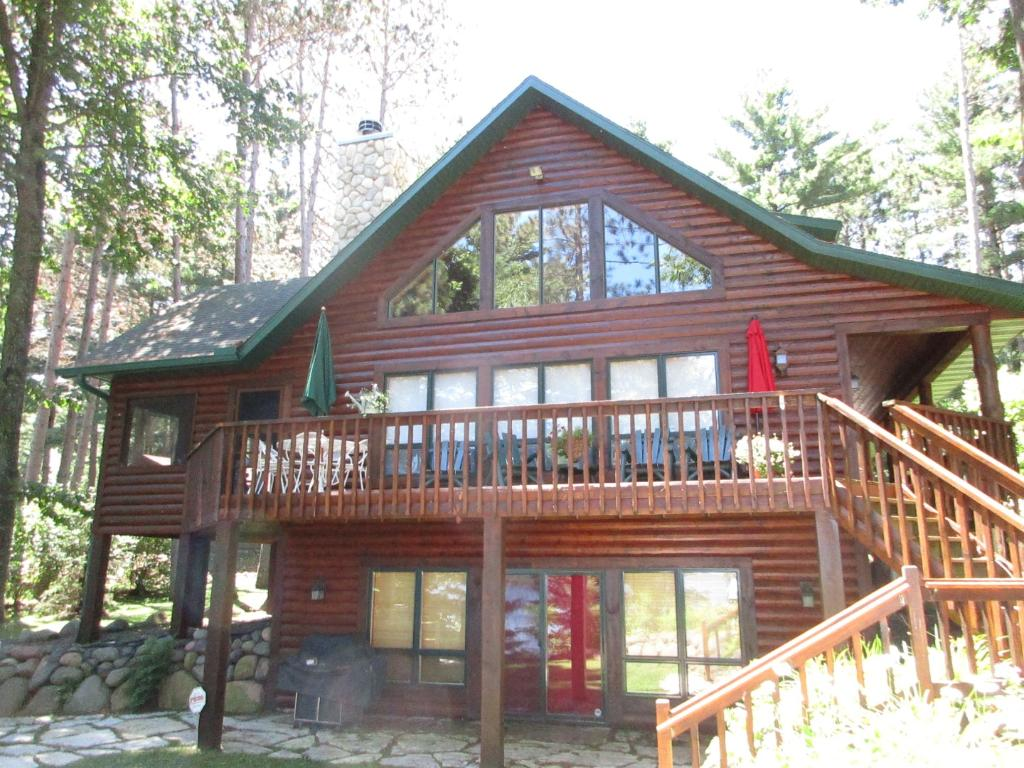 2467 W Rockford Road, Stone Lake, WI 54876