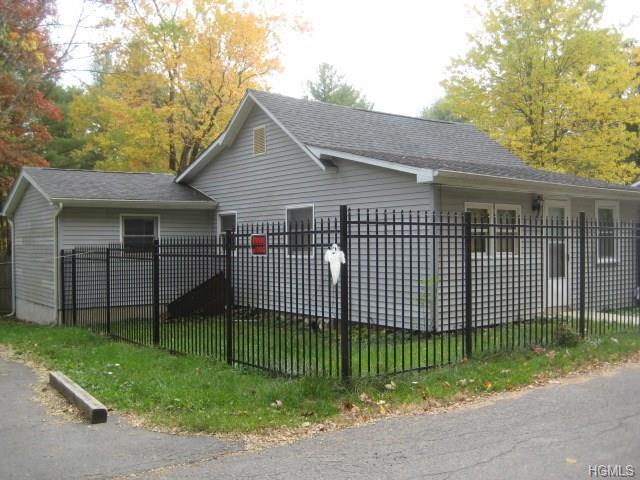 154 Lakeview Drive, Cuddebackville, NY 12729