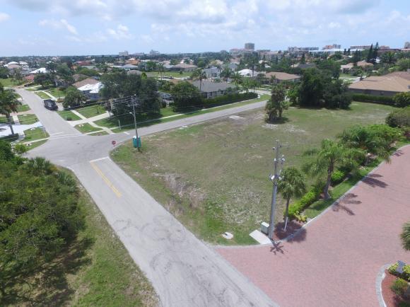 740 SEAGRAPE 10, MARCO ISLAND, FL 34145