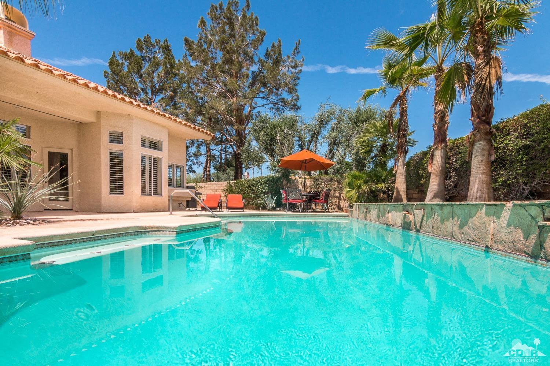 366 Oakmont Drive, Palm Desert, CA 92211