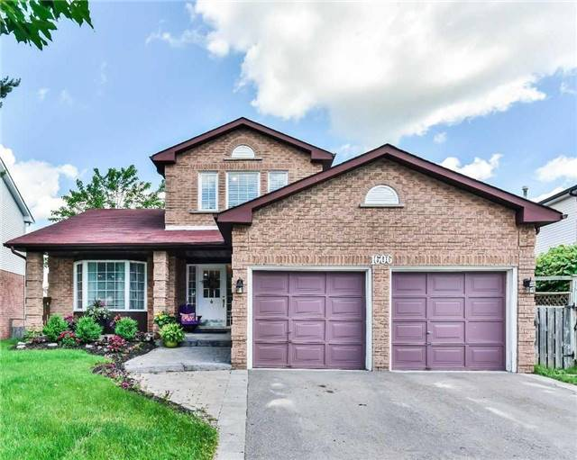 1606 Dellbrook Ave, Pickering, ON L1X 2M7