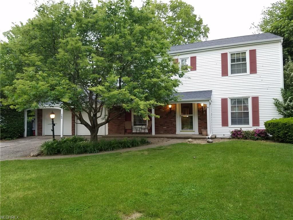144 Willowbend Dr, Madison, OH 44057
