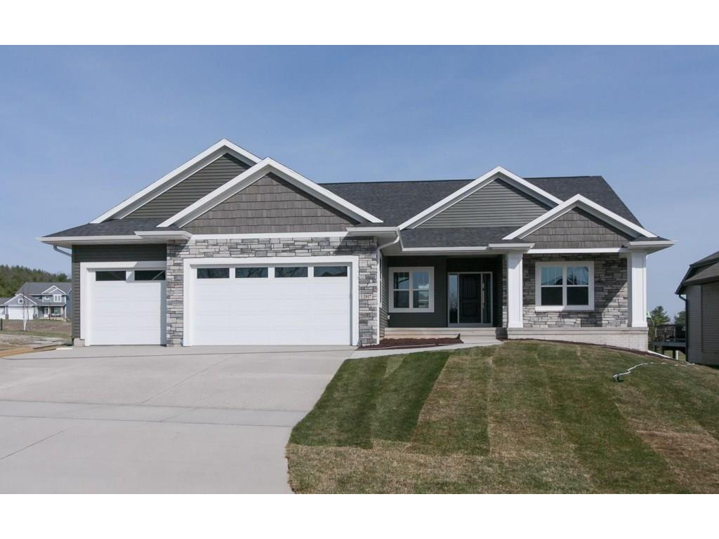 3004 Forrest Meadow Lane, Hiawatha, IA 52233