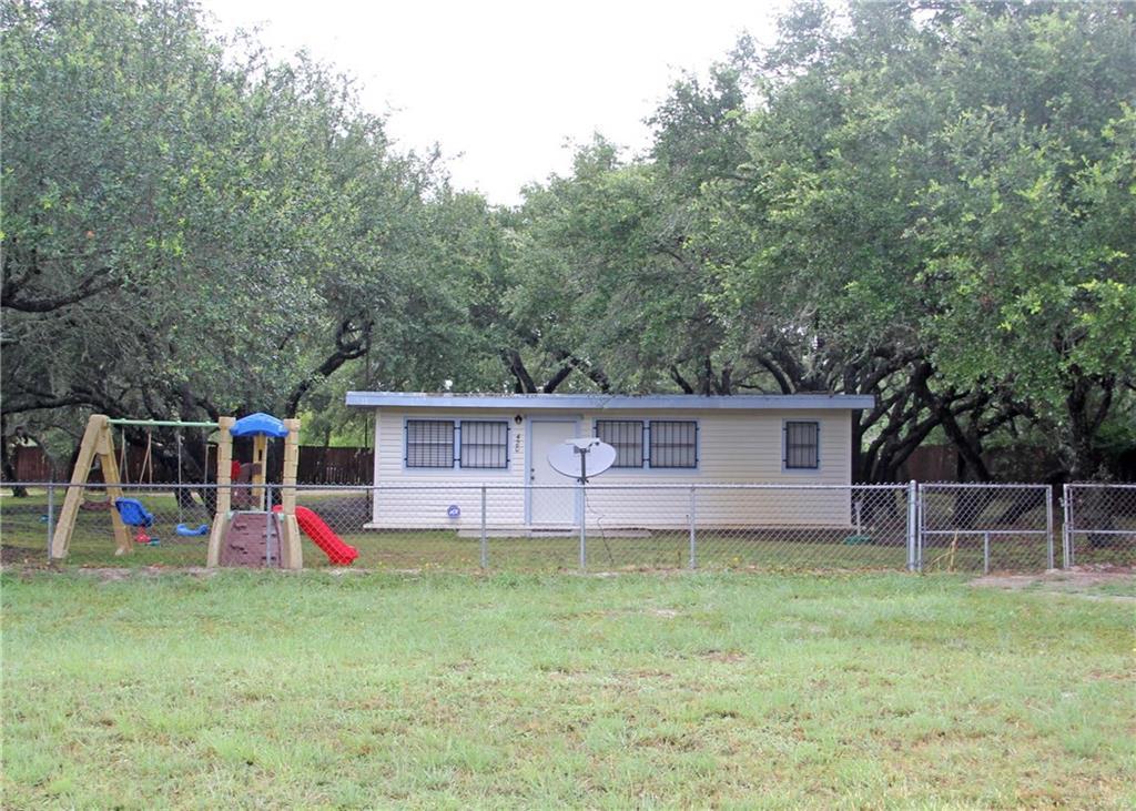 420 W Alamito St, Rockport, TX 78382