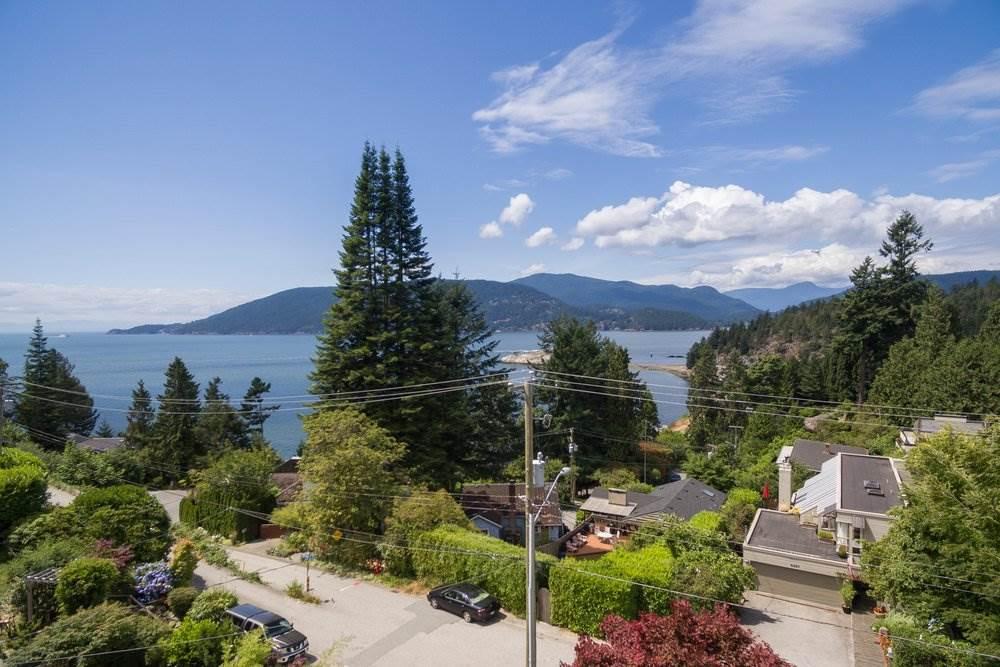 6258 WELLINGTON AVENUE, West Vancouver, BC V7W 2H4