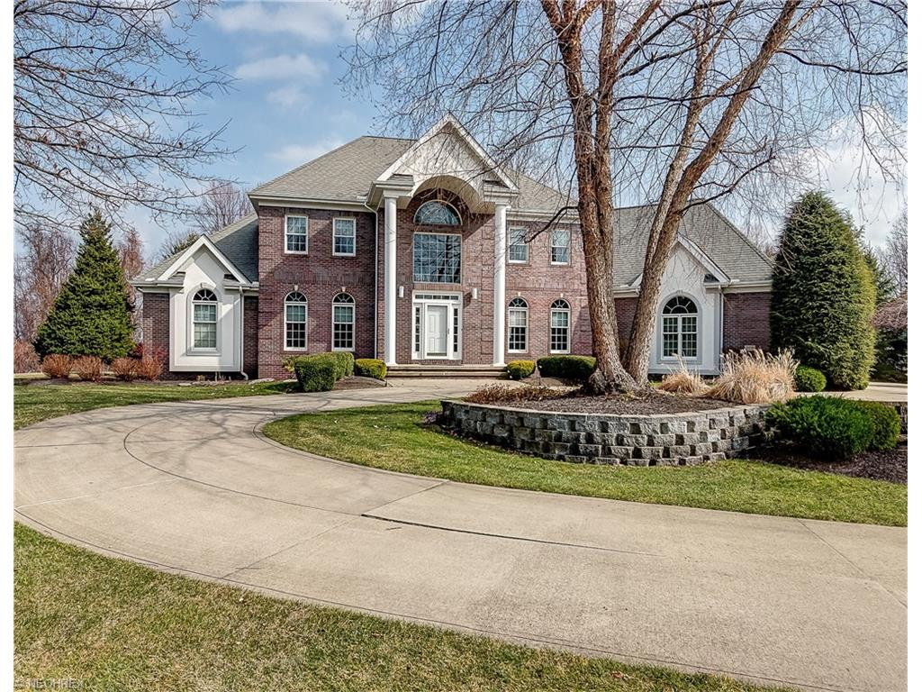 5731 Canyon View Dr, Painesville, OH 44077