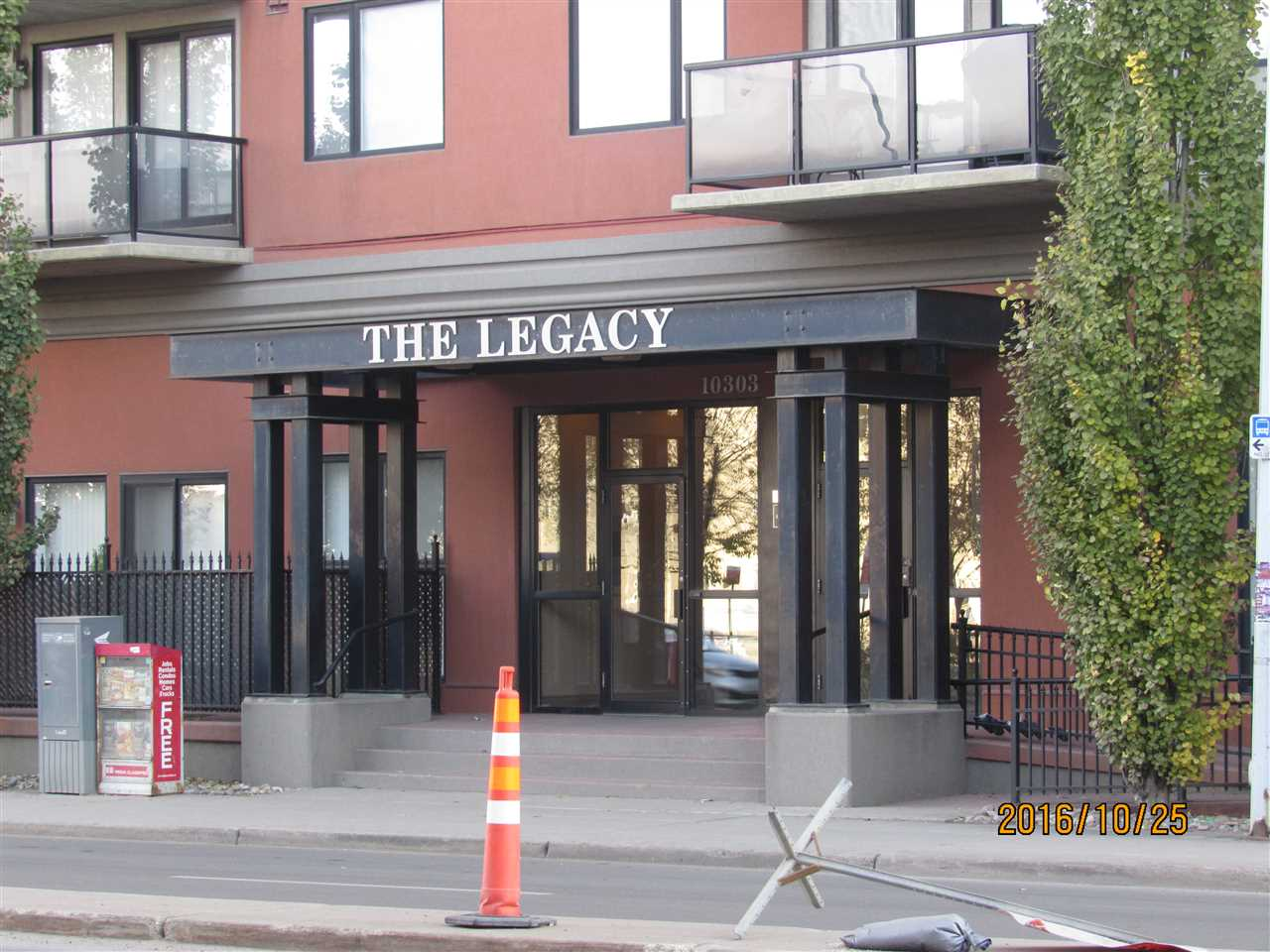 10303 105 Street 305, Edmonton, AB T5J 5G3