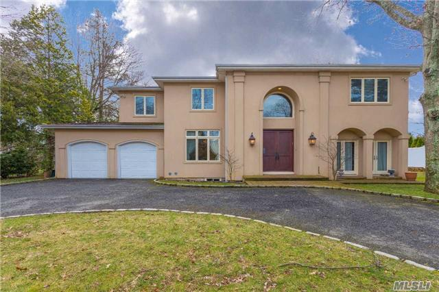 58 Saddle Ln, Roslyn Heights, NY 11577