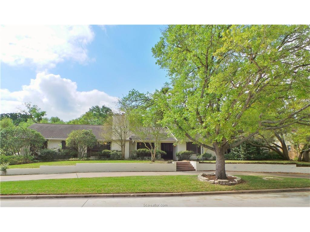 2811 Cherry Creek Circle, Bryan, TX 77802
