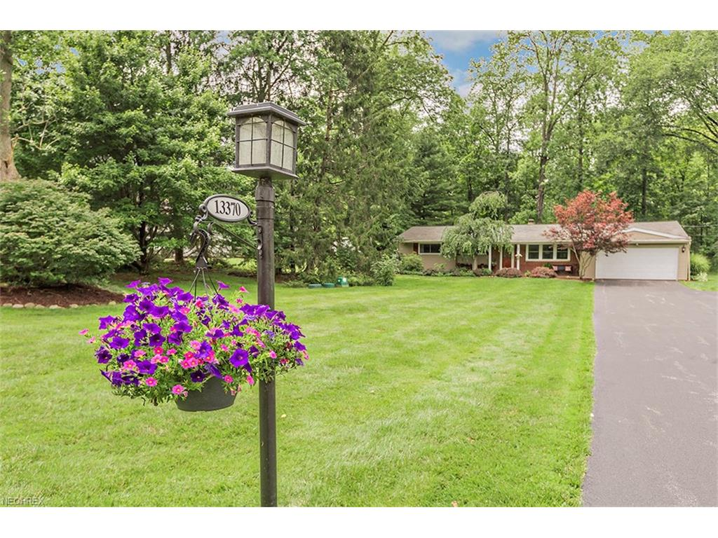 13370 Hickory St, Chesterland, OH 44026