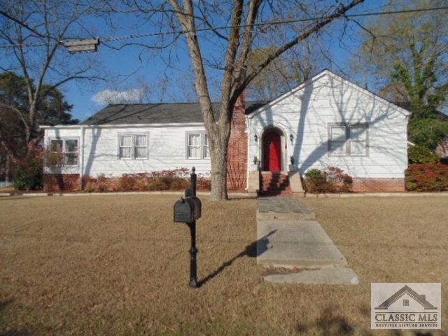 61 W New St, Winder, GA 30680