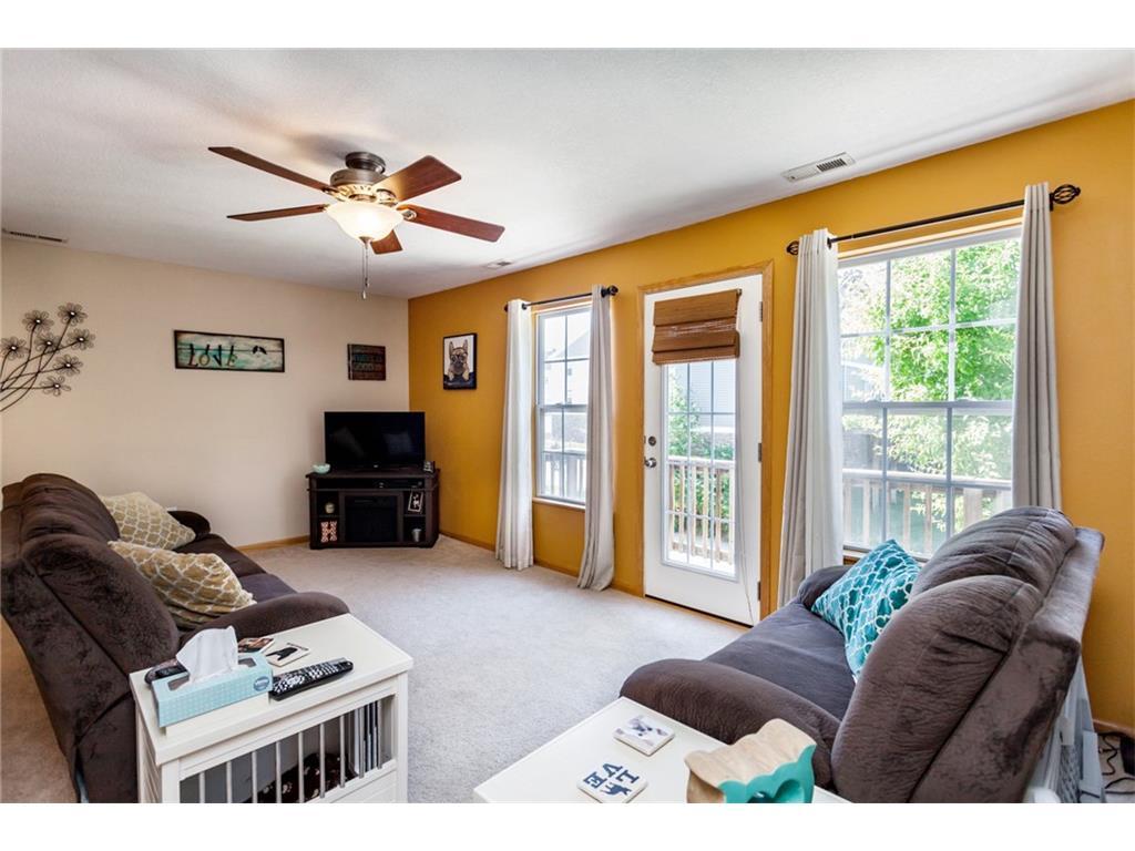 6344 Little Leaf Lane, Pleasant Hill, IA 50327