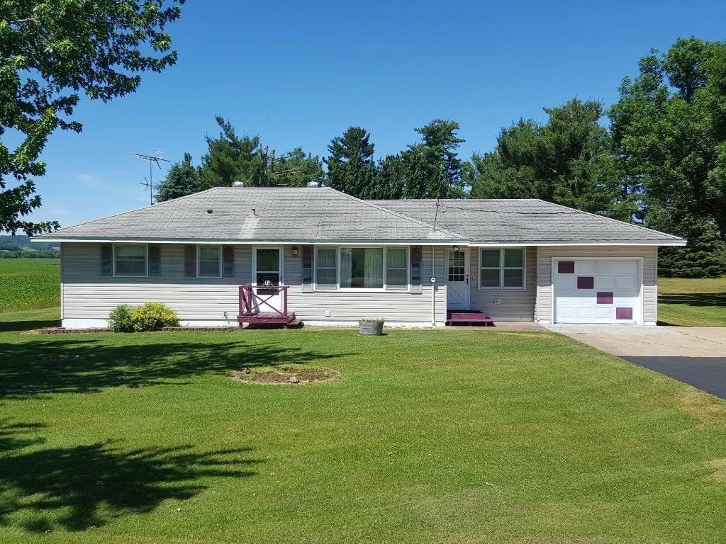 N6115 County Road V, Durand, WI 54736