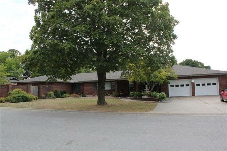 706 Park ST, Berryville, AR 72616