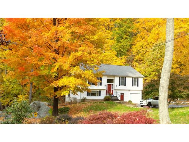 10 Candlewood Lake Drive, Sherman, CT 06784