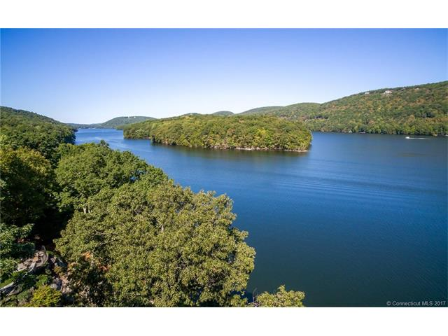 37 Sail Harbour Dr, New Fairfield, CT 06812