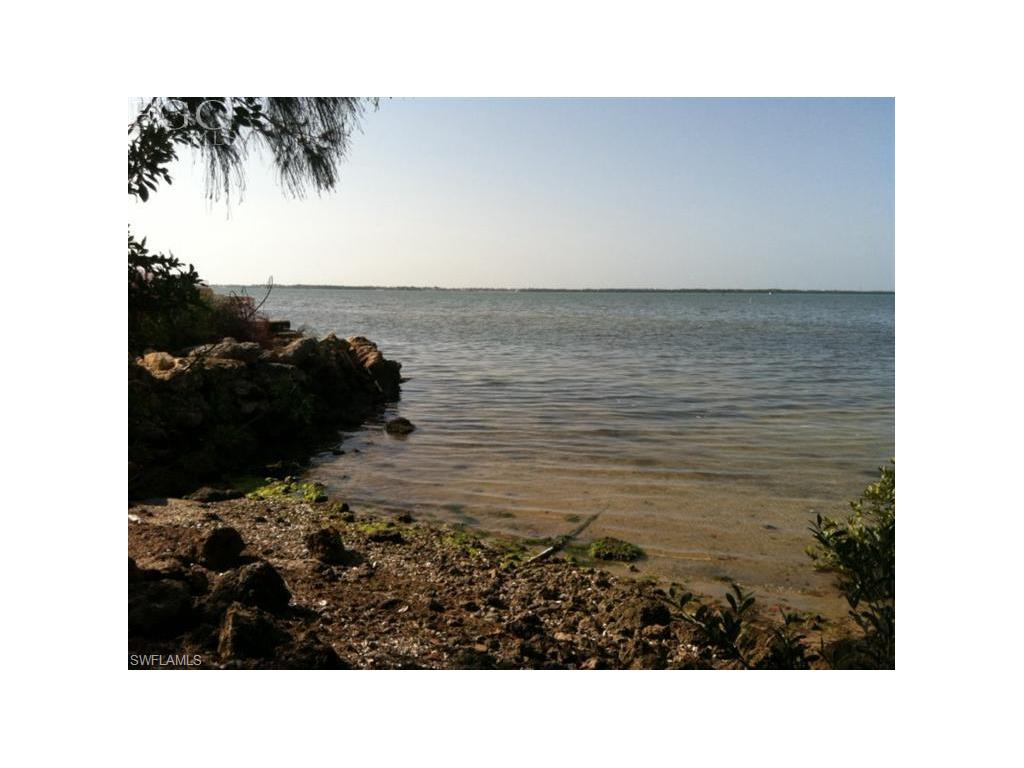 3157 Vacation LN, ST. JAMES CITY, FL 33956