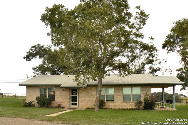 1818 BUSINESS LOOP 181, Floresville, TX 78114