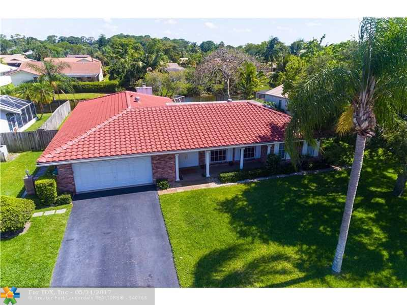 9052 NW 21st St, Coral Springs, FL 33071