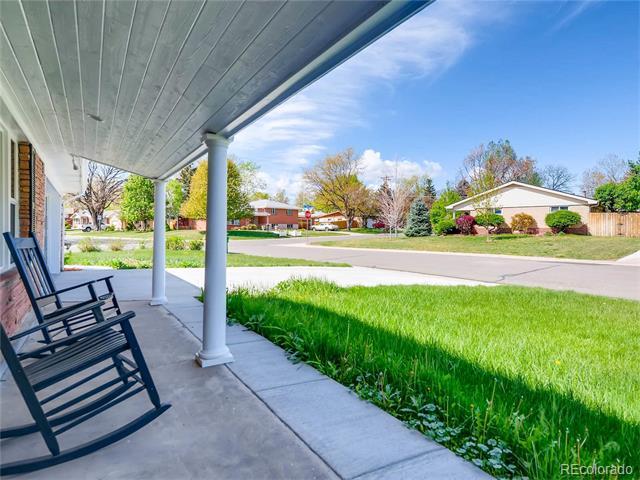 90 S Benton Drive, Lakewood, CO 80226