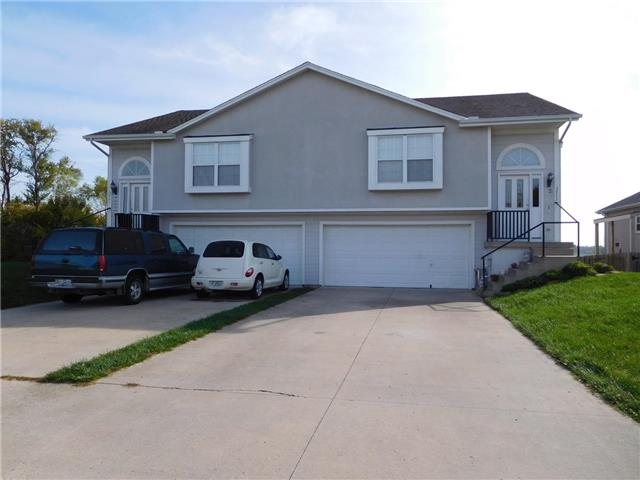 3901 SW Chartwell Court, Lee's Summit, MO 64082