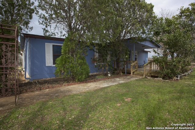 164 COUNTY ROAD 158, Floresville, TX 78114