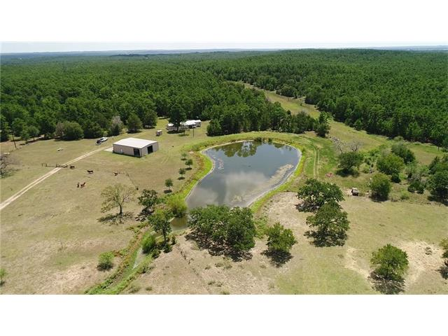 760 Valley View Trl, Winchester, TX 78945