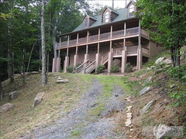 135 Chestnut Way, Beech Mountain, NC 28604
