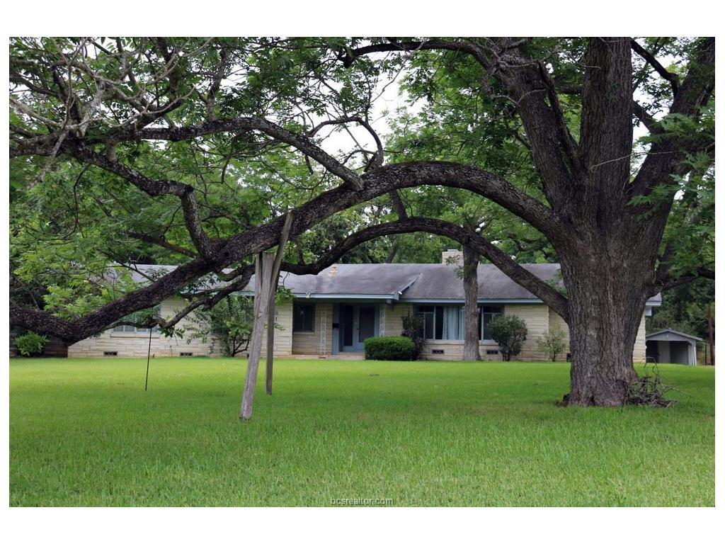 817 Church Street, Navasota, TX 77868