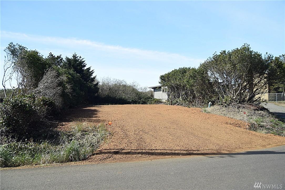 339 Sand Dune Ave NW, Ocean Shores, WA 98569