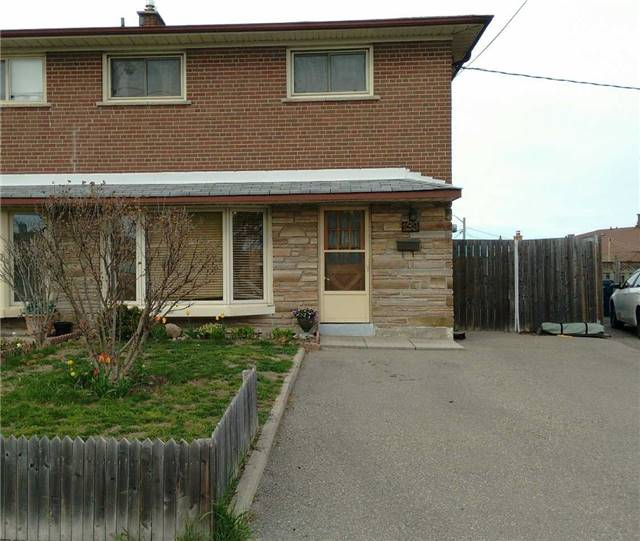 199 Duncanwoods Dr, Toronto, ON M9L 2E5