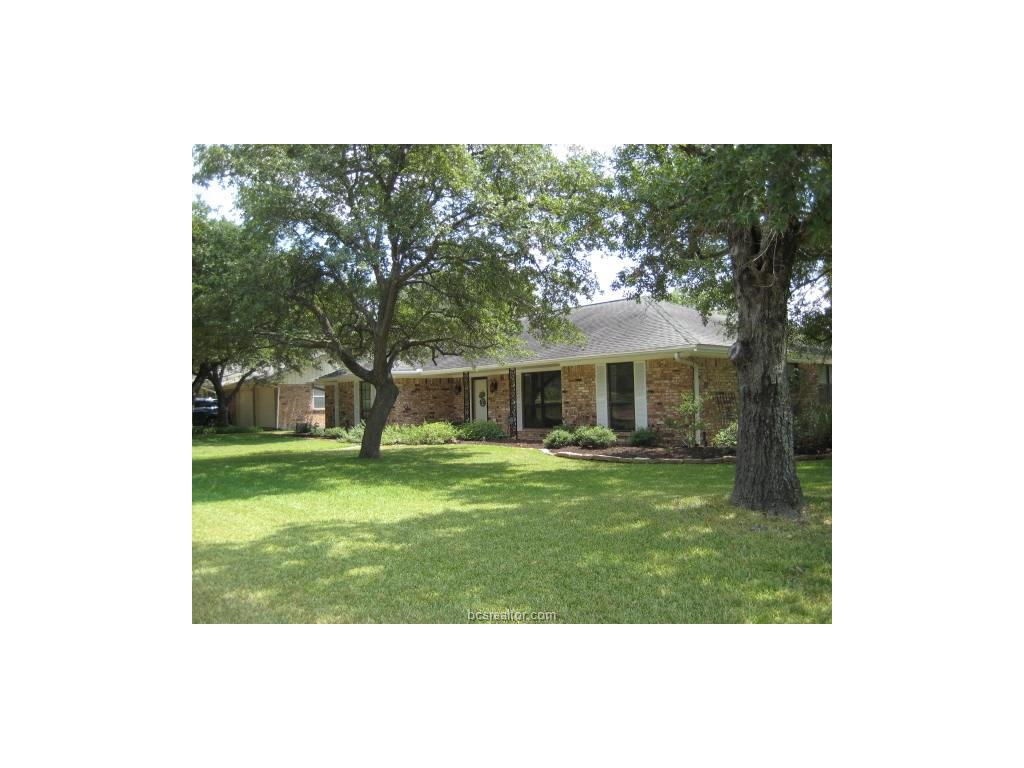 2300 Devonshire Street, Bryan, TX 77802
