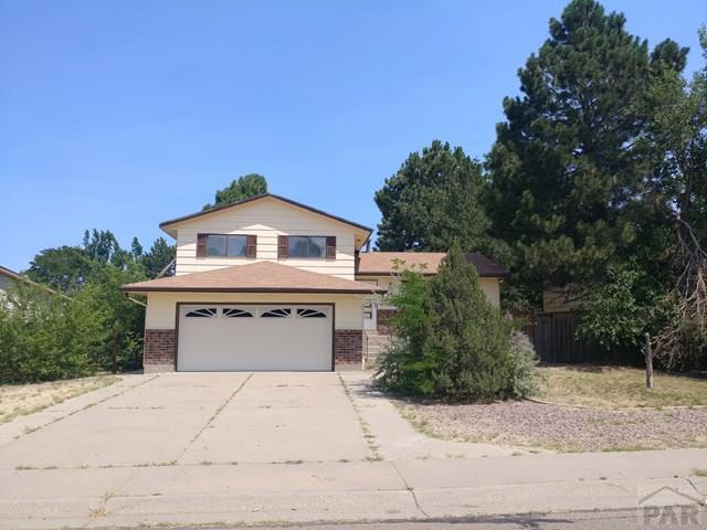 28 Briarwood Circle, Pueblo, CO 81005