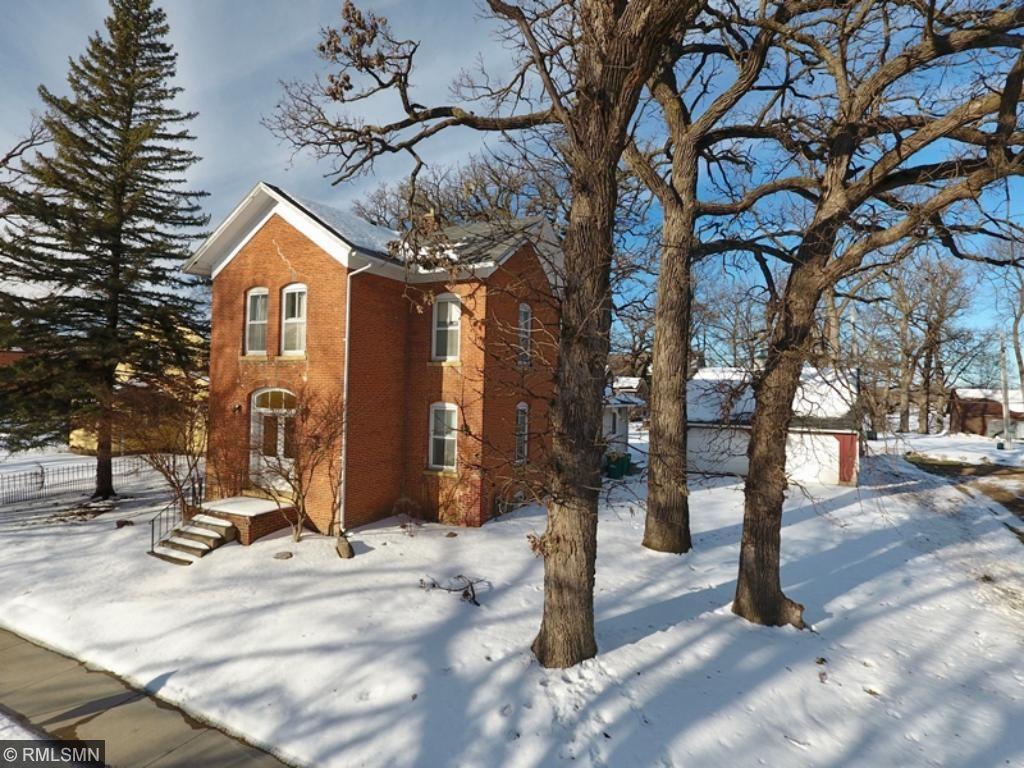 301 E Robinson Street, Lake Crystal, MN 56055