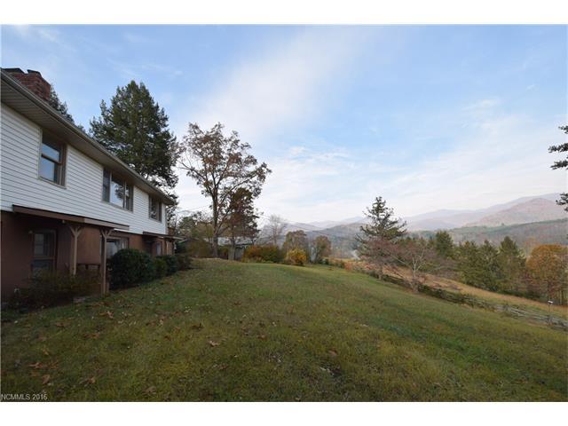 134 College View Drive, Swannanoa, NC 28778