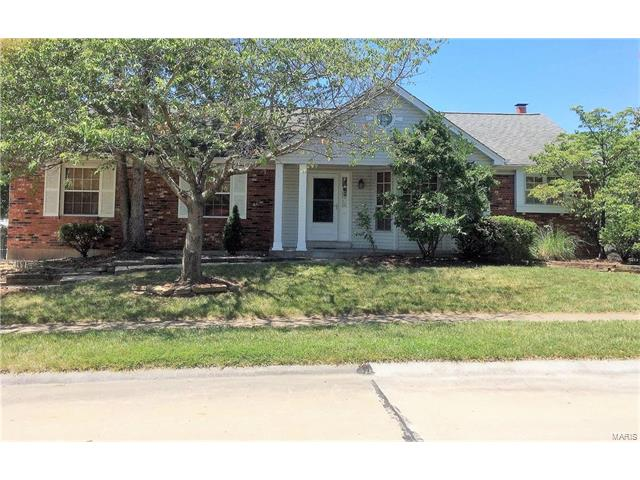 915 Weatherstone, St Charles, MO 63304