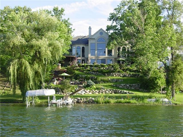 5780 LAKEVIEW Avenue, Orchard Lake, MI 48323