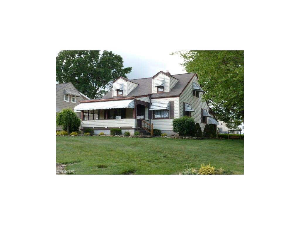 231 Iroquois St, Struthers, OH 44471