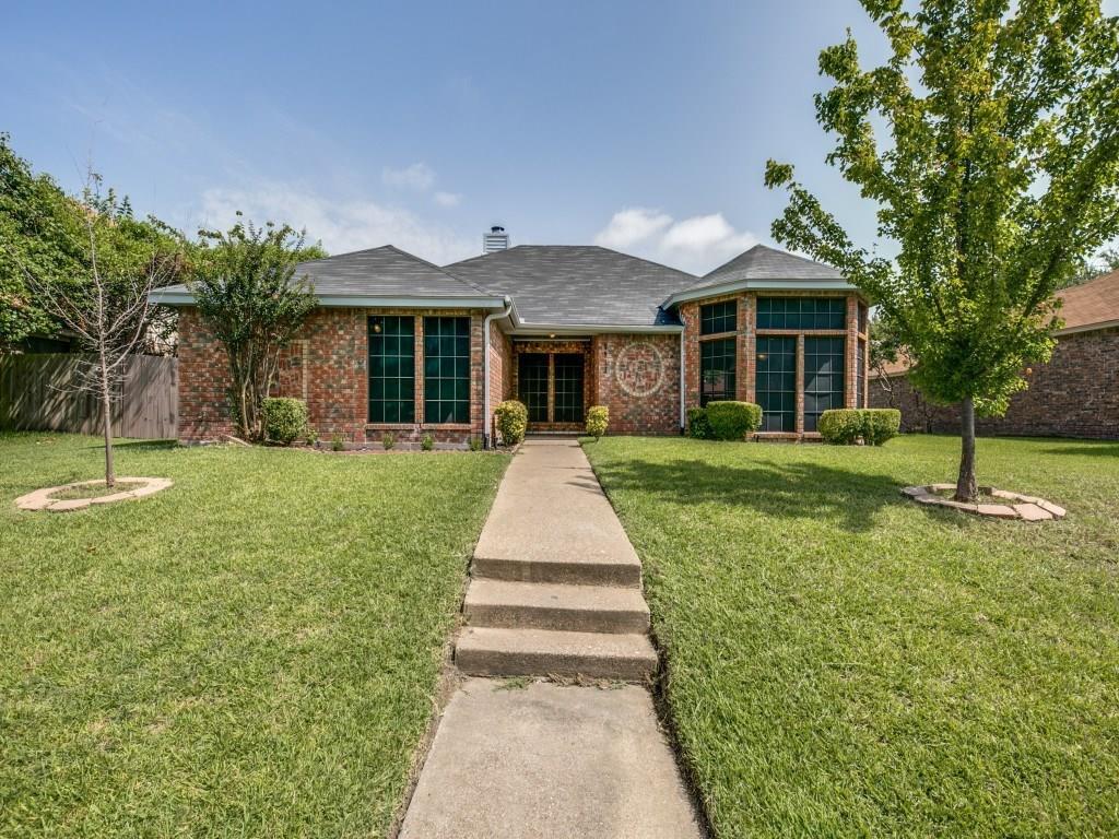 8913 Greentree Drive, Rowlett, TX 75088